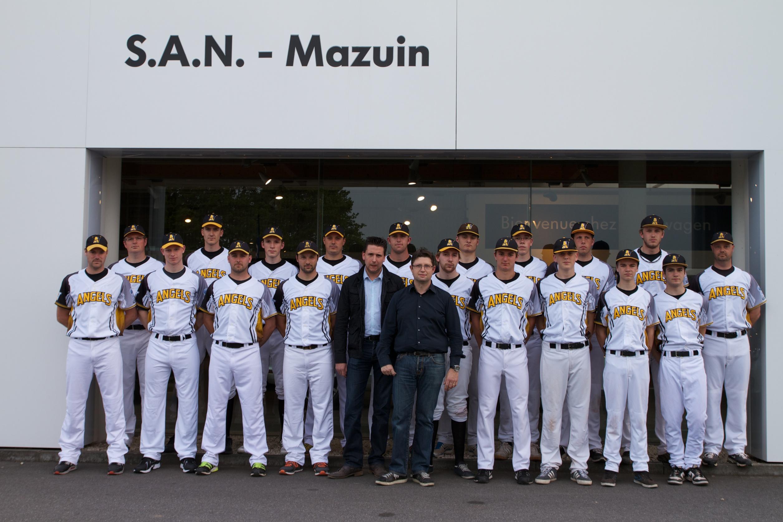 L'Equipe Première et son sponsor San-Mazuin